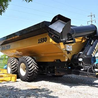 Balzer 1550 Grain Cart Field Floater